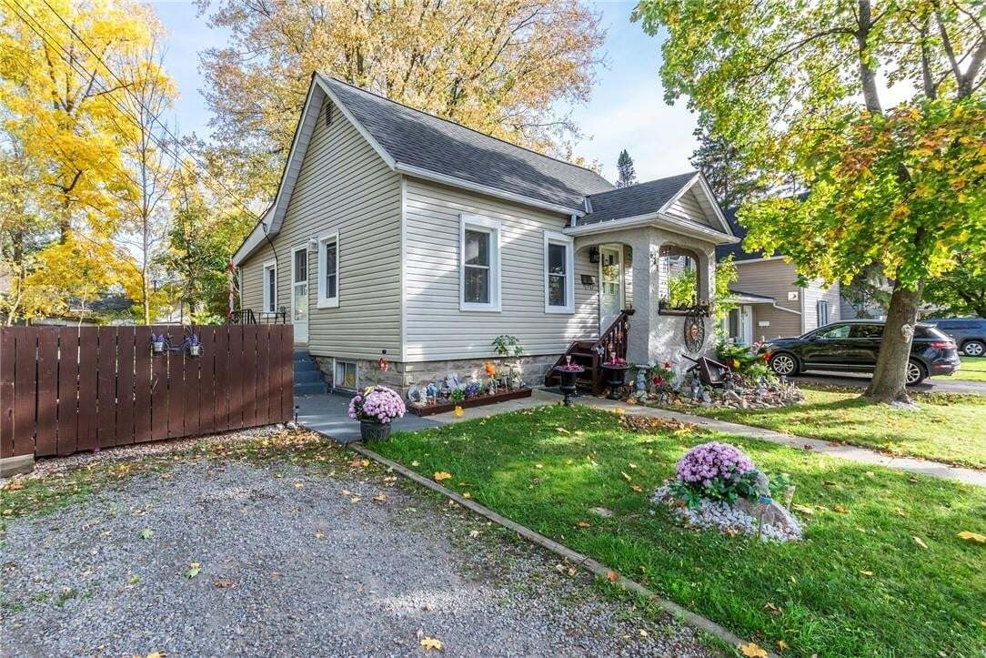 House for sale at 621 Pine St Dunnville Ontario - MLS: H4090521