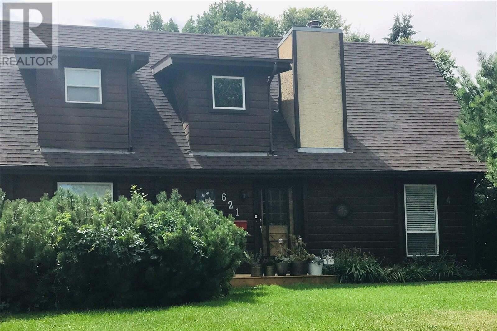 House for sale at 621 Woodland Ave Buena Vista Saskatchewan - MLS: SK830102