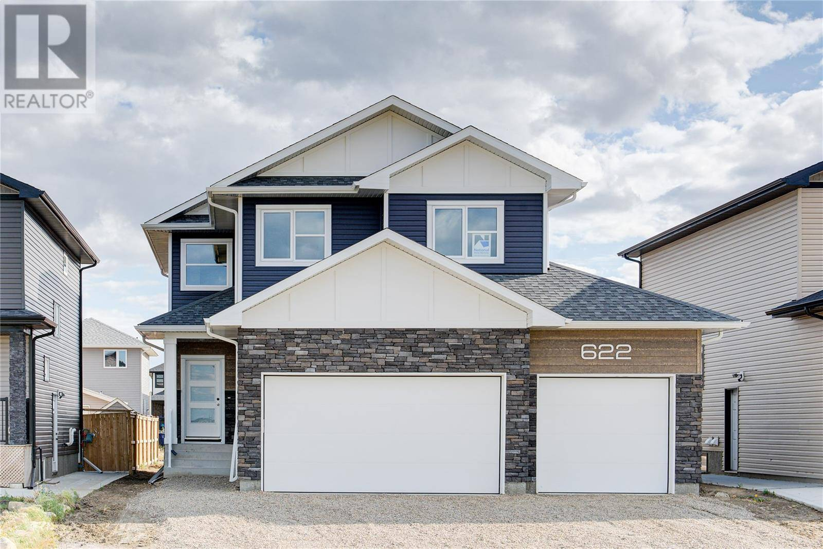 House for sale at 622 Boykowich Cres Saskatoon Saskatchewan - MLS: SK785172