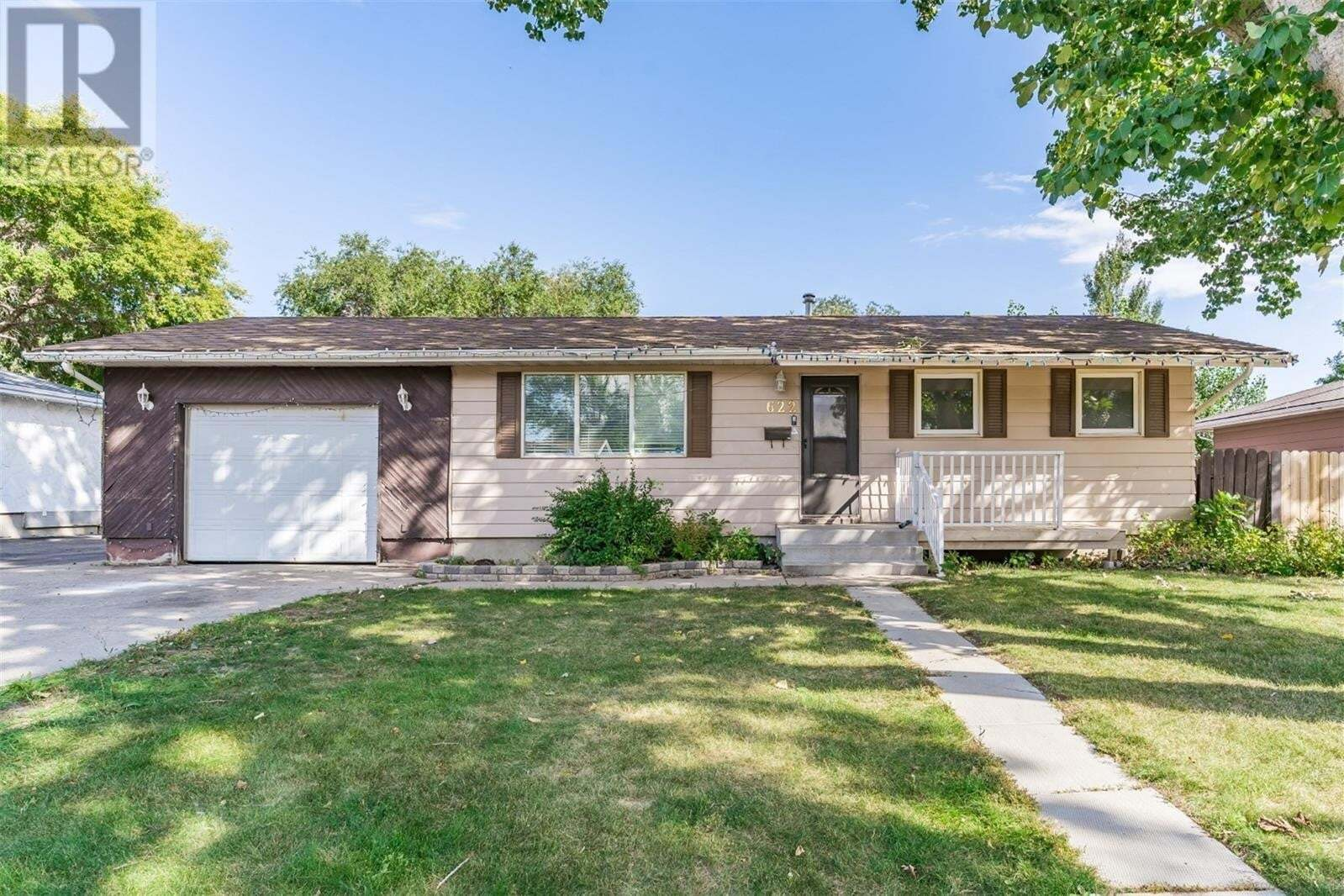 House for sale at 622 Wardlow Rd Saskatoon Saskatchewan - MLS: SK826346
