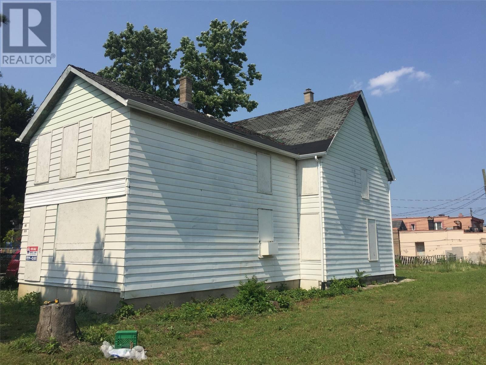 House for sale at 624 Mercer  Windsor Ontario - MLS: 19022500