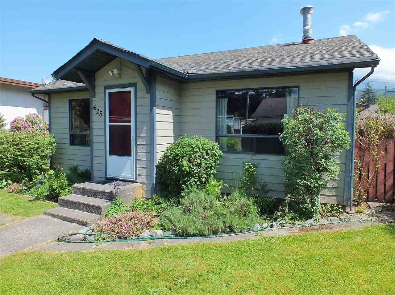 For Sale: 625 Hemlock Avenue, Hope, BC | 2 Bed, 1 Bath House for $399,900. See 20 photos!