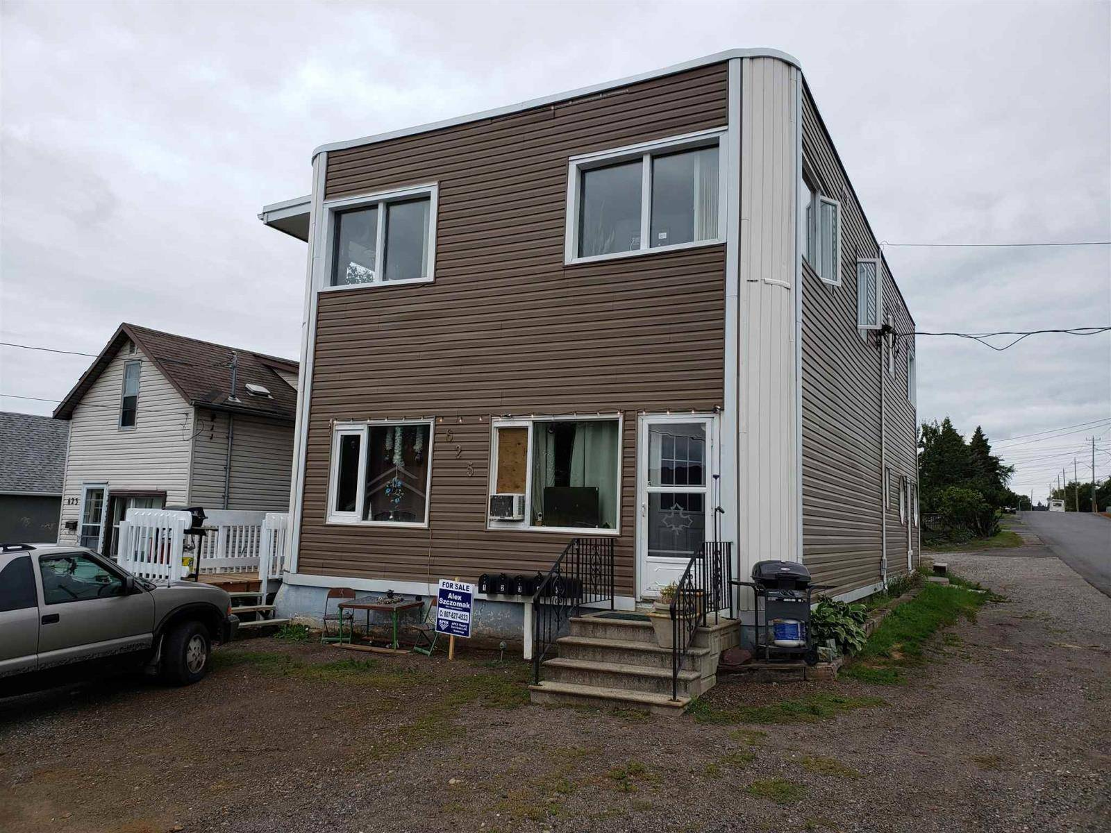 Townhouse for sale at 625 Leslie Ave Thunder Bay Ontario - MLS: TB192991