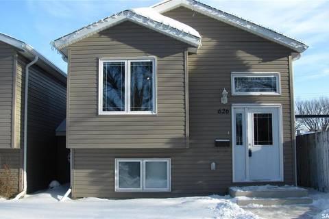 House for sale at 626 K Ave S Saskatoon Saskatchewan - MLS: SK796926