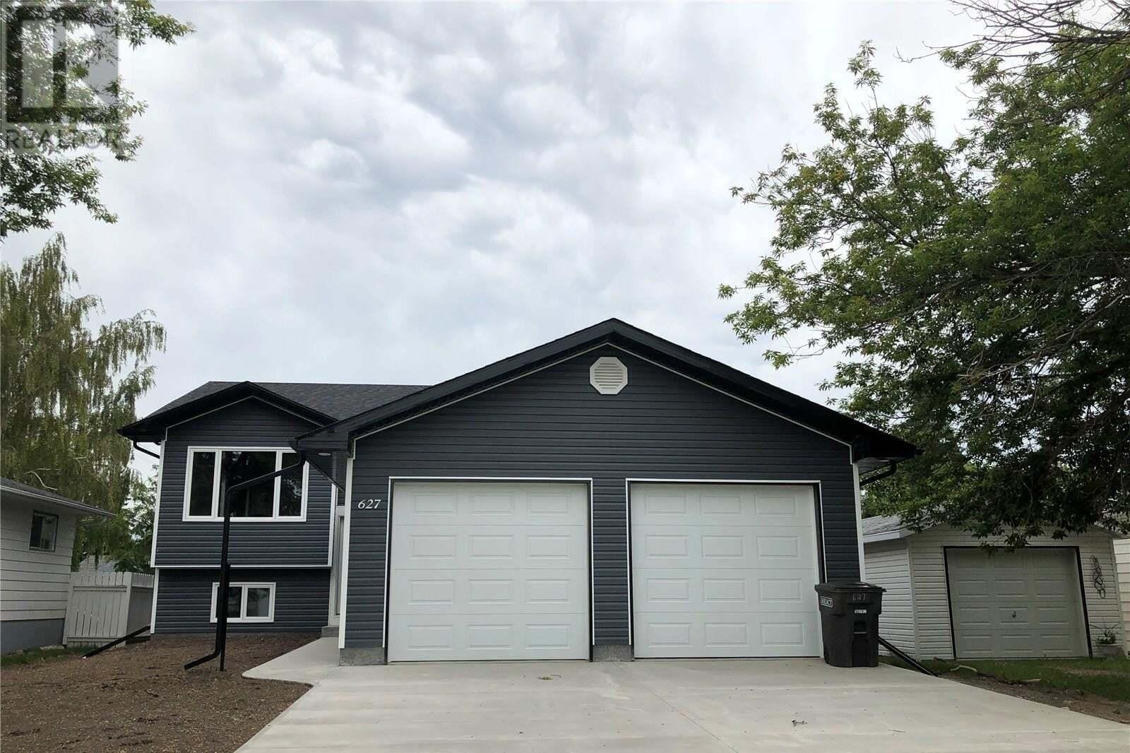 House for sale at 627 12th St Humboldt Saskatchewan - MLS: SK810145