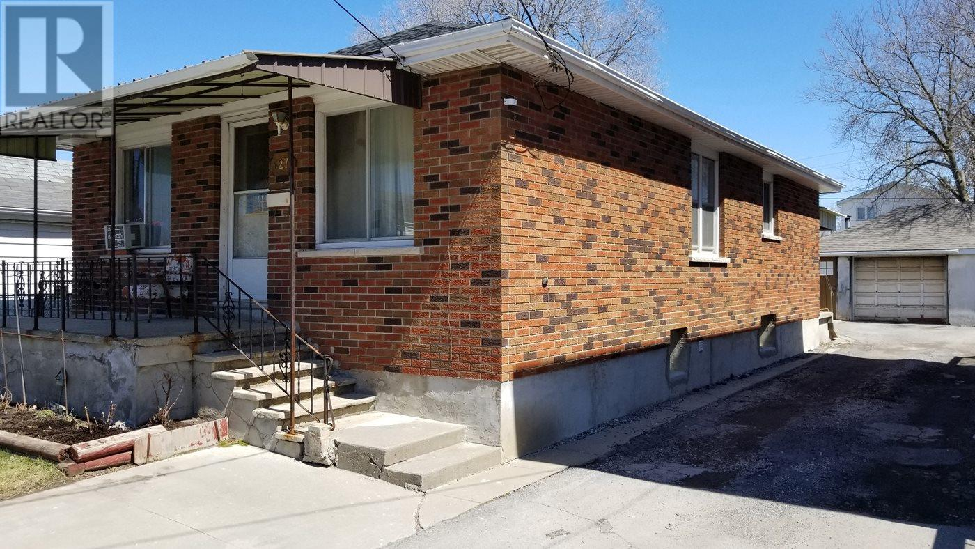 For Sale: 627 Macdonnell Street, Kingston, ON   3 Bed, 1 Bath House for $195,000. See 3 photos!