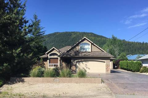 House for sale at 628 Chapman Cres Sicamous British Columbia - MLS: 10185935
