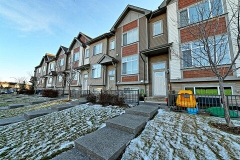 Townhouse for sale at 628 Copperpond Blvd SE Calgary Alberta - MLS: A1046507