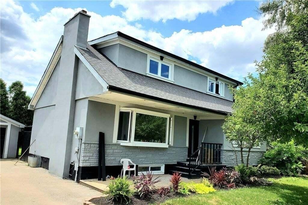 House for sale at 628 Stone Church Rd E Hamilton Ontario - MLS: H4082712