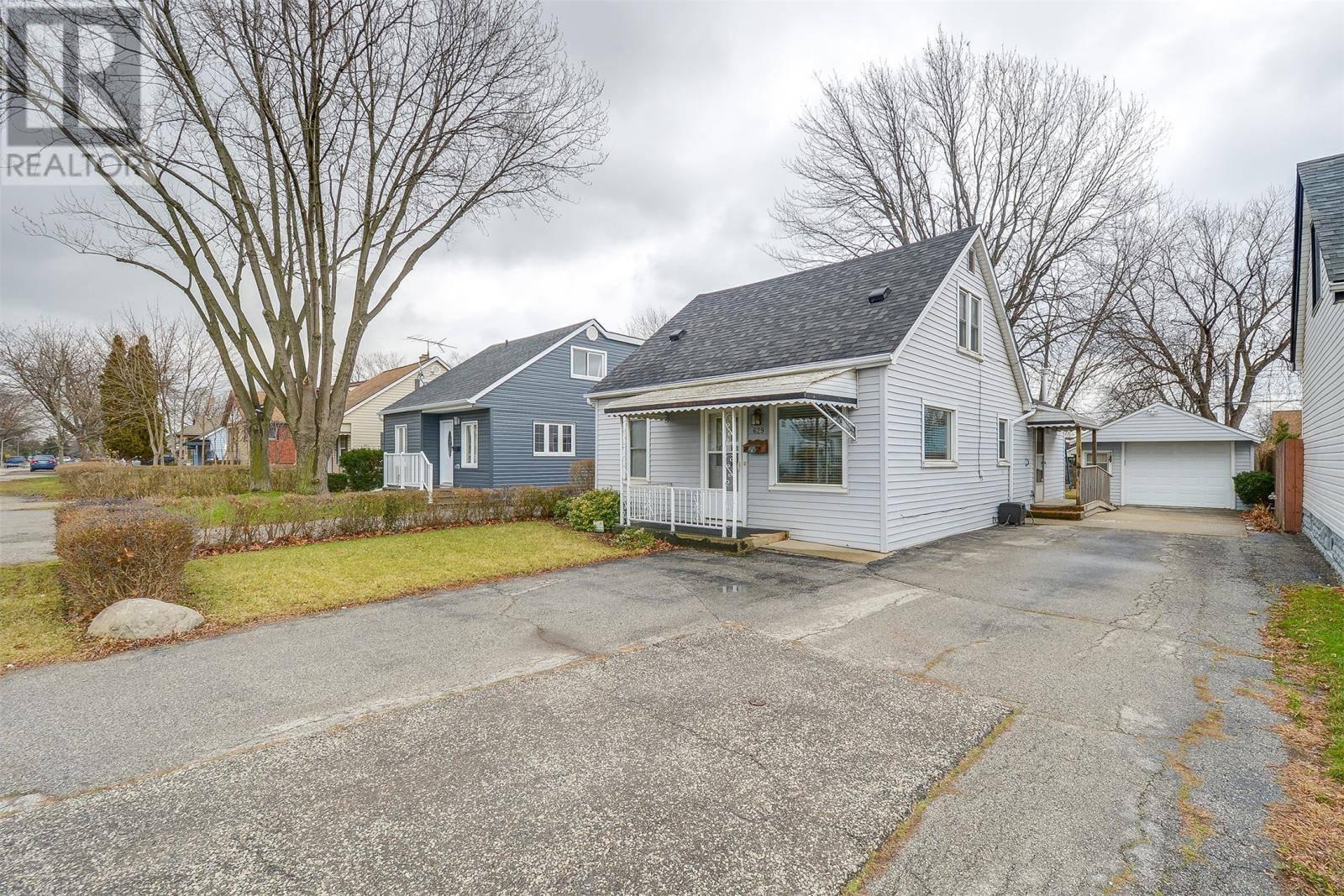 House for sale at 629 Vanier St Windsor Ontario - MLS: 20000444