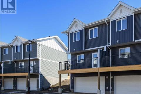Townhouse for sale at 401 Athabasca Ave Unit 63 Fort Mcmurray Alberta - MLS: fm0162284