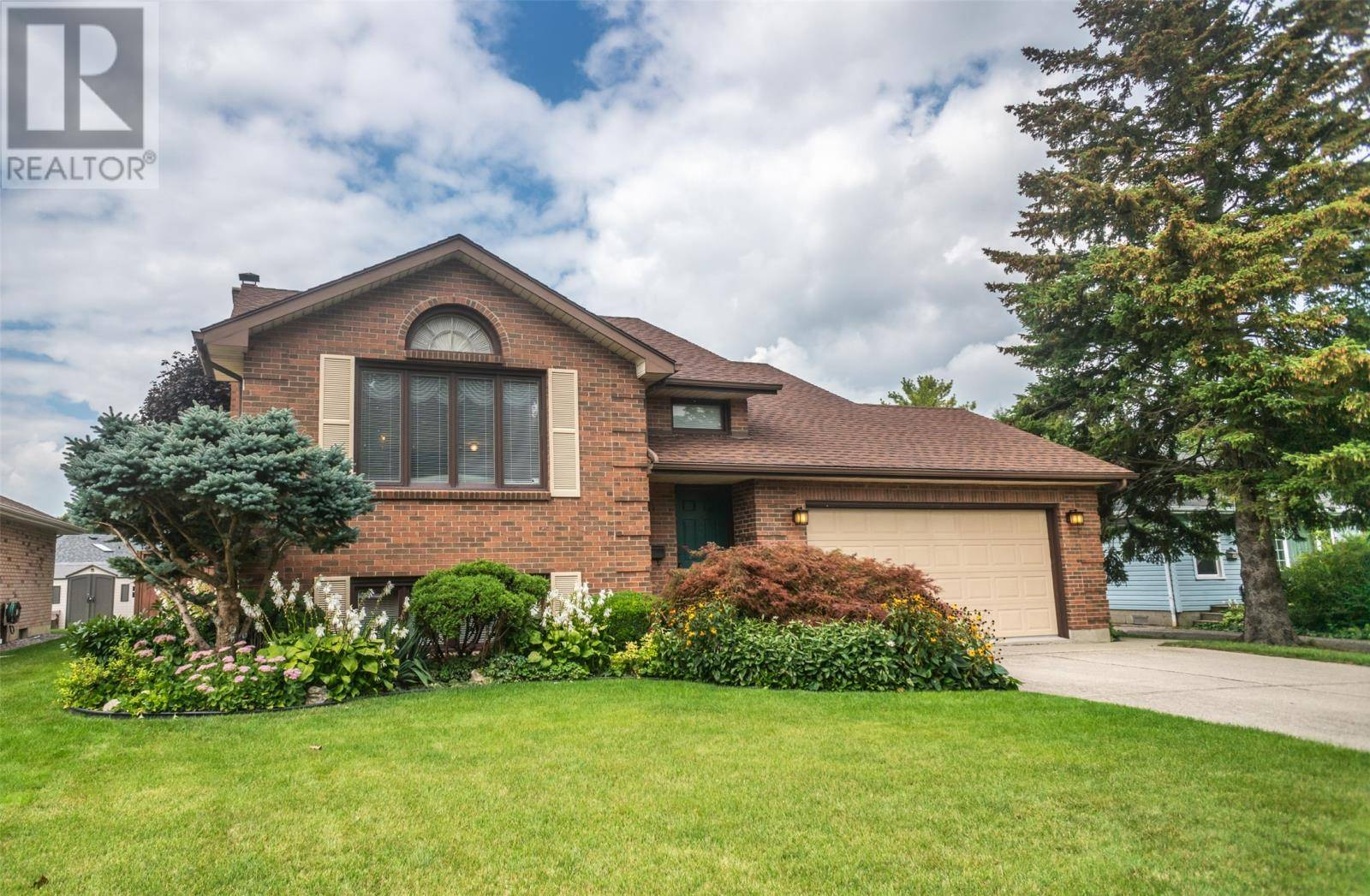 House for sale at 63 Oxley Dr Chatham Ontario - MLS: 19025409