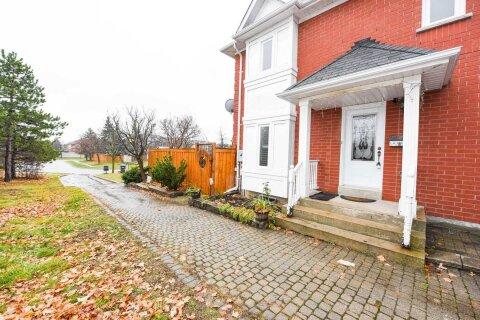 Townhouse for sale at 63 Shady Pine Circ Brampton Ontario - MLS: W5054285