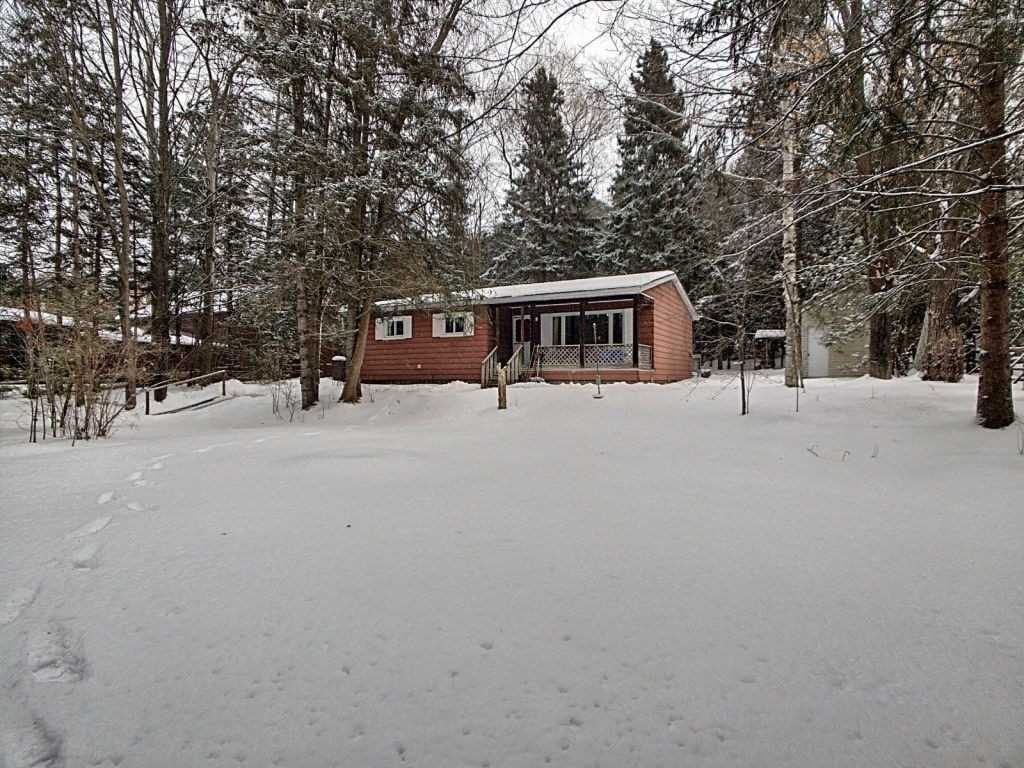 For Sale: 63 Wagners Road, Uxbridge, ON   2 Bed, 1 Bath House for $440000.00. See 20 photos!