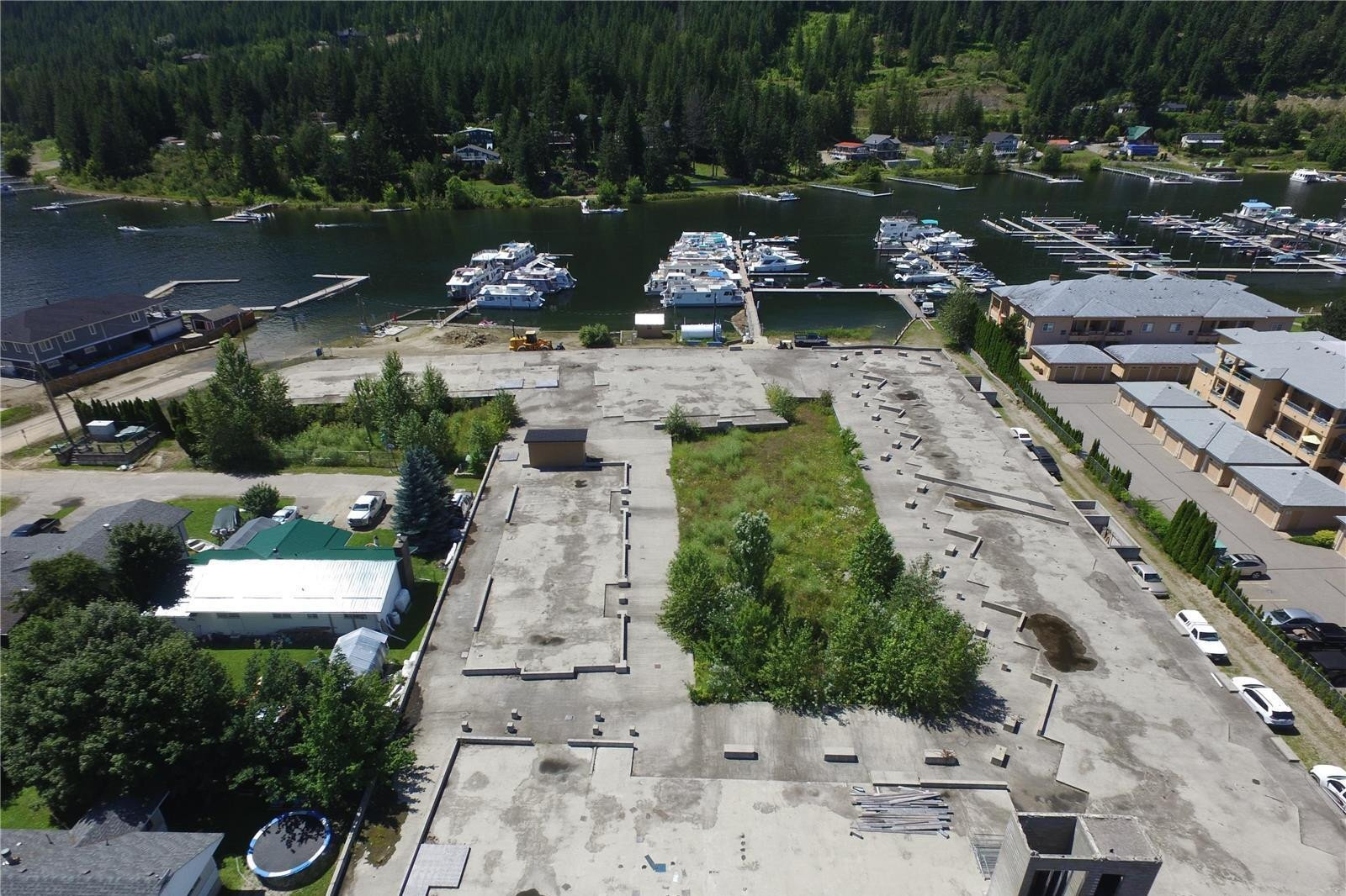 Townhouse for sale at 630 Riverside Ave Sicamous British Columbia - MLS: 10201335