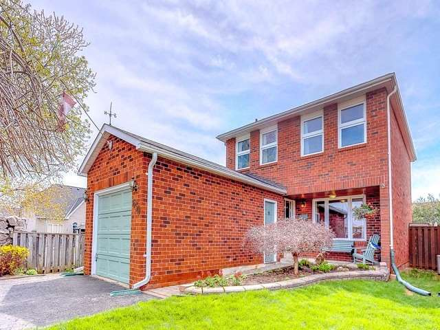 For Sale: 630 Sultana Square, Pickering, ON | 4 Bed, 3 Bath House for $669,000. See 20 photos!
