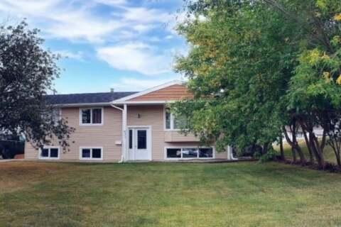 House for sale at 631 2nd Ave SE Swift Current Saskatchewan - MLS: SK805588