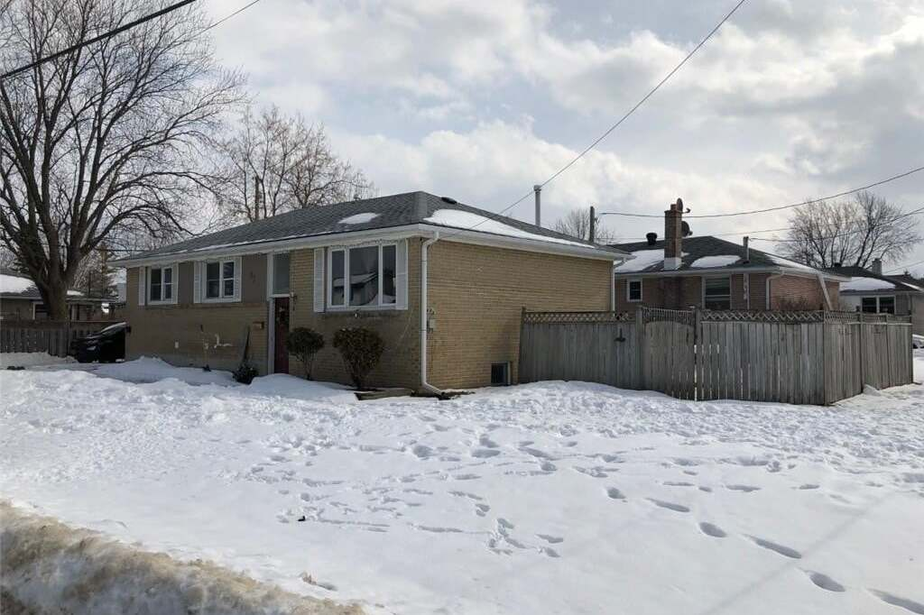 House for sale at 631 Oak St Collingwood Ontario - MLS: 248193