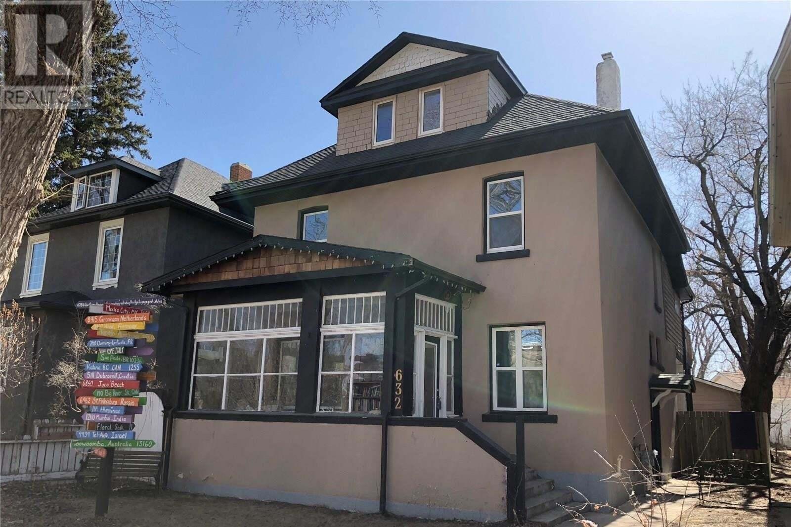 House for sale at 632 University Dr Saskatoon Saskatchewan - MLS: SK826684