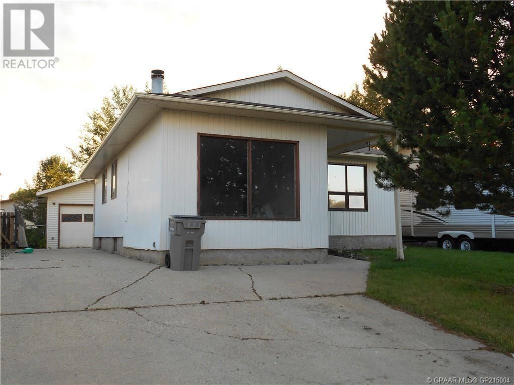 House for sale at 6326 93 St Grande Prairie Alberta - MLS: GP215004