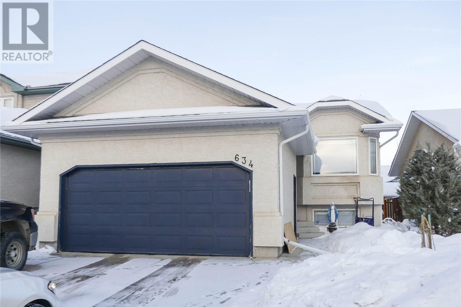 House for sale at 634 Guenter Cres Saskatoon Saskatchewan - MLS: SK834578