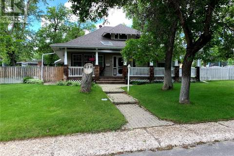 House for sale at 635 2nd St E Shaunavon Saskatchewan - MLS: SK789718
