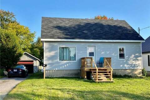 House for sale at 635 First Ave Pembroke Ontario - MLS: 1211747