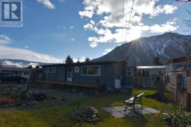 House for sale at 635 Schneider Ct Keremeos British Columbia - MLS: 186861