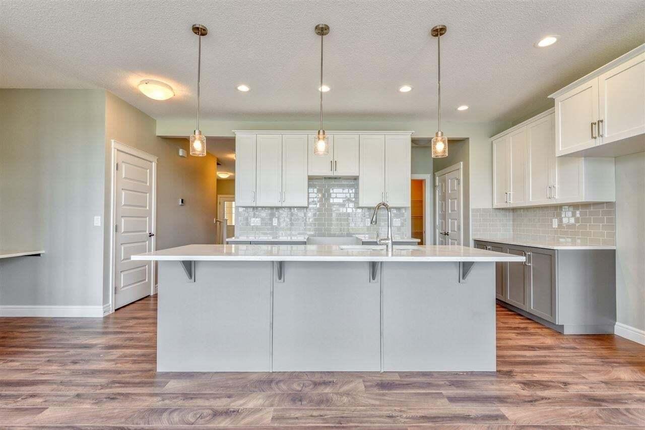 House for sale at 636 Eagleson Cr NW Edmonton Alberta - MLS: E4202081