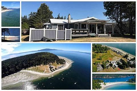 House for sale at 636 Vaucroft Rd Halfmoon Bay British Columbia - MLS: R2452251