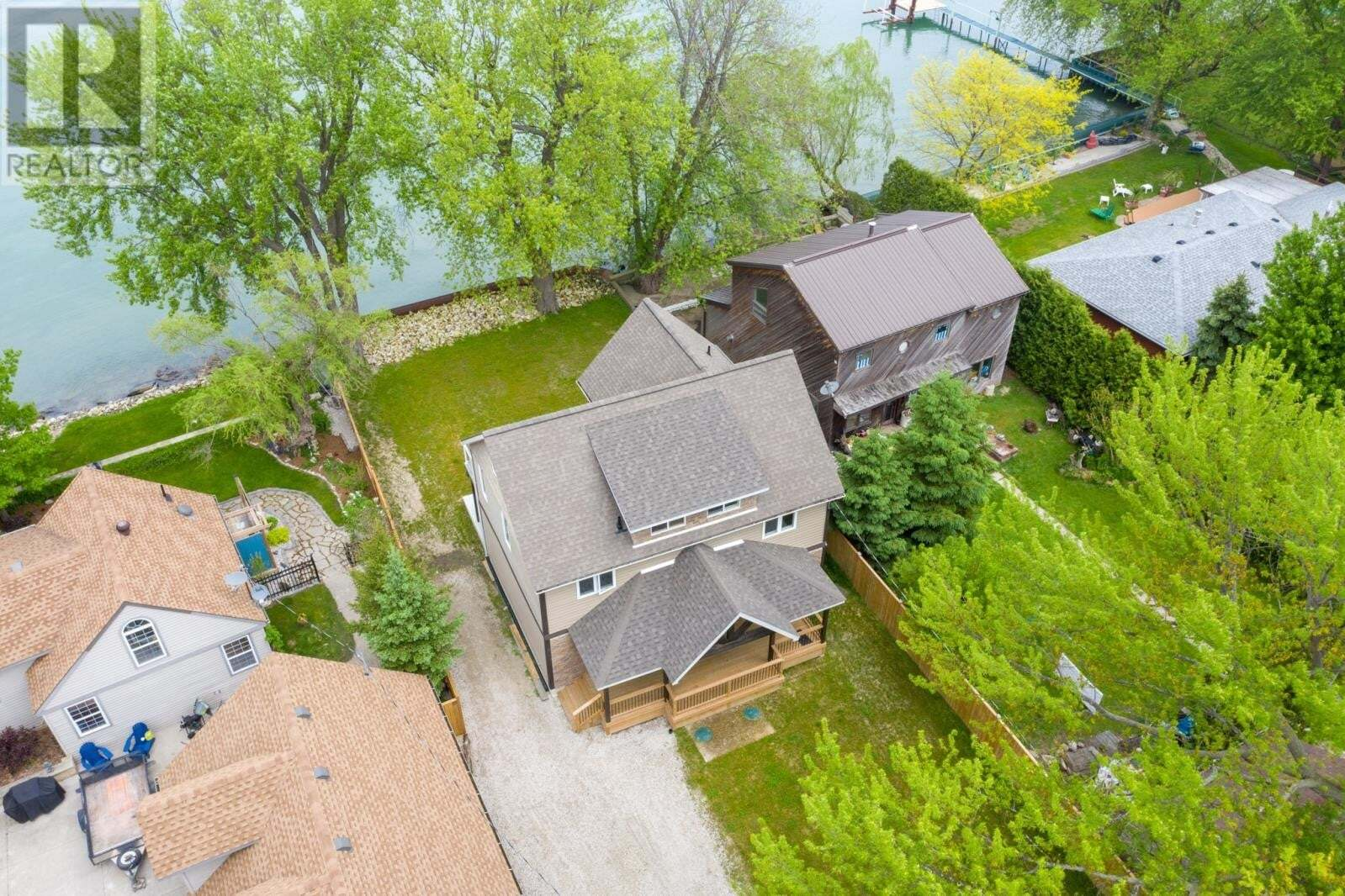 House for sale at 637 Ross Beach  Lakeshore Ontario - MLS: 20006013