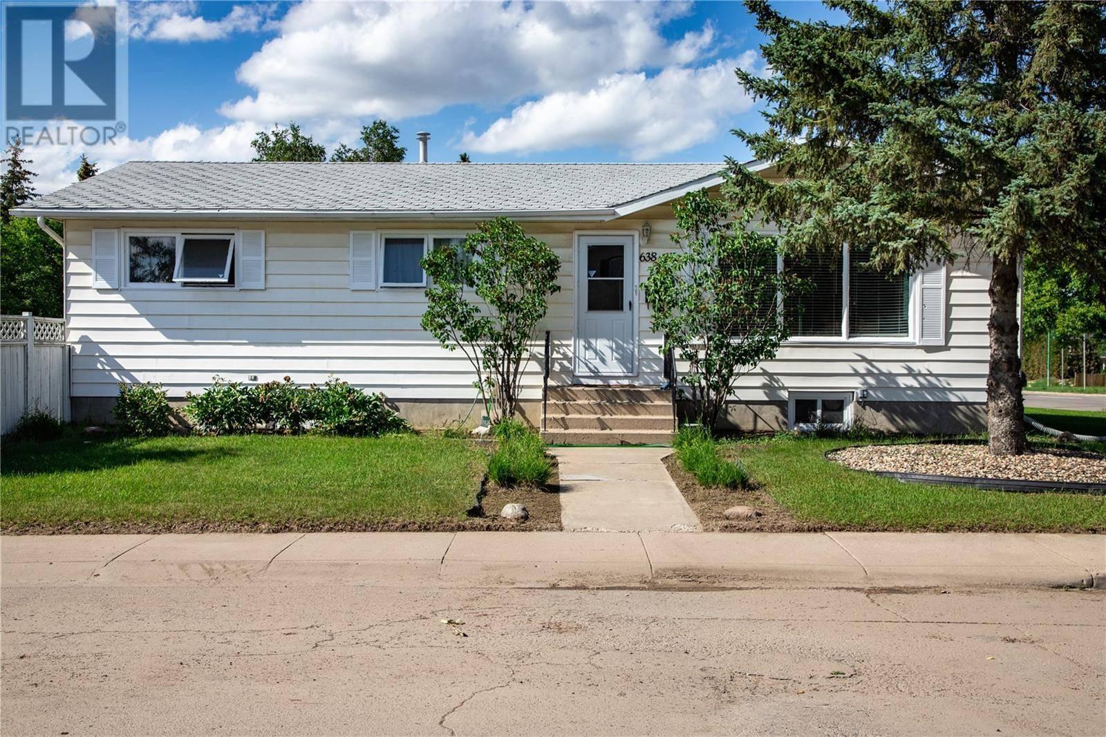 House for sale at 638 Mount Allison Cres Saskatoon Saskatchewan - MLS: SK779879