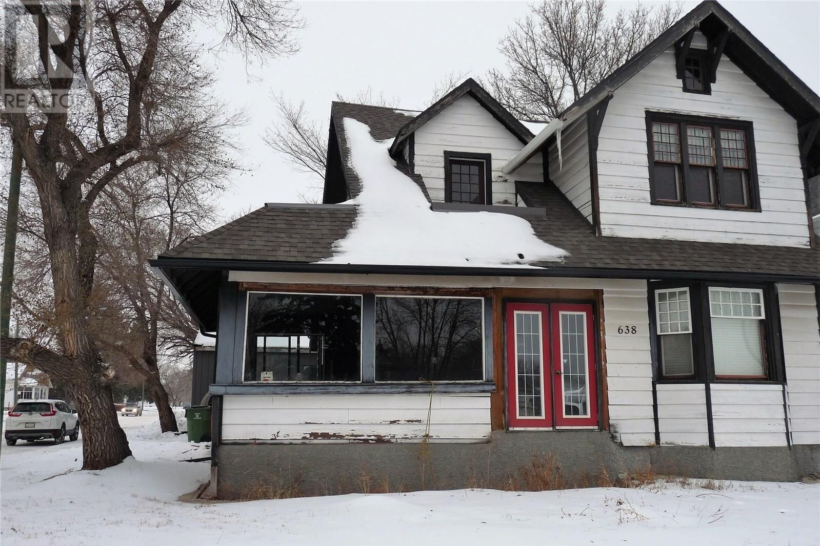 House for sale at 638 Oxford St W Moose Jaw Saskatchewan - MLS: SK833977