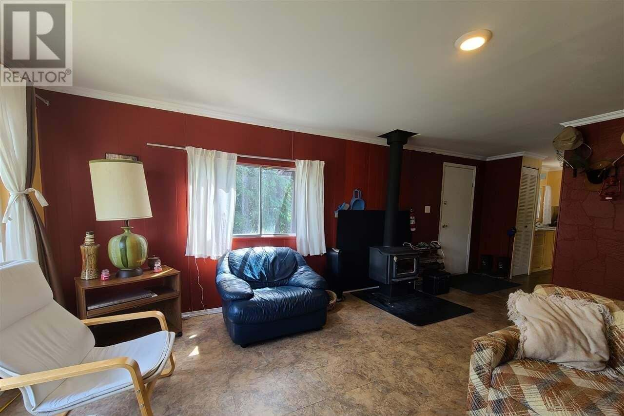 6386 Mulligan Drive, Horse Lake | Image 2