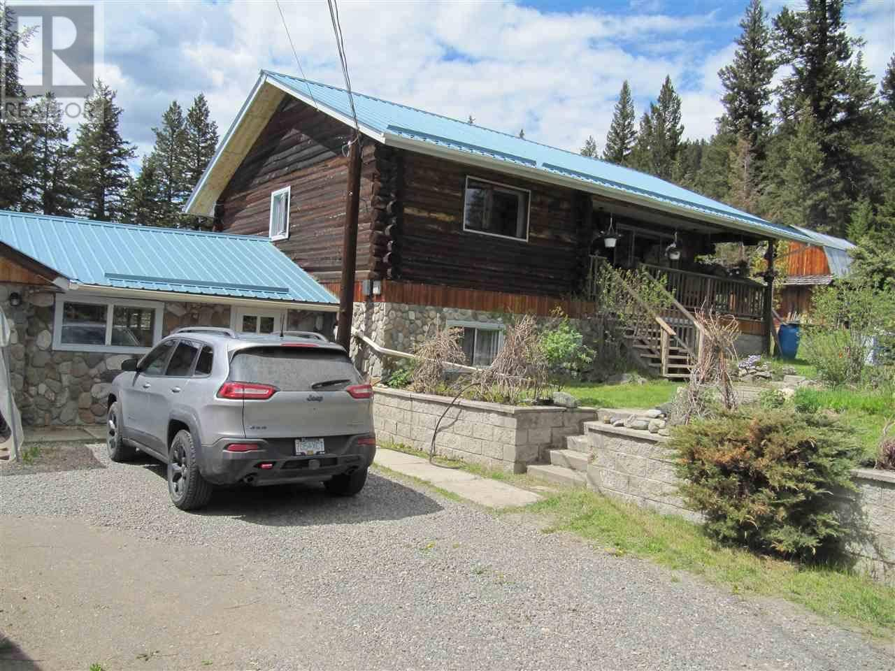 House for sale at 6390 Young Rd 100 Mile House British Columbia - MLS: R2442270