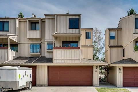 Townhouse for sale at 64 Beacham Wy Northwest Calgary Alberta - MLS: C4248979
