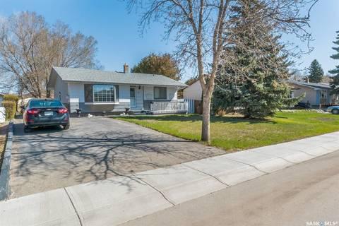 House for sale at 64 Daniels Cres Regina Saskatchewan - MLS: SK771430