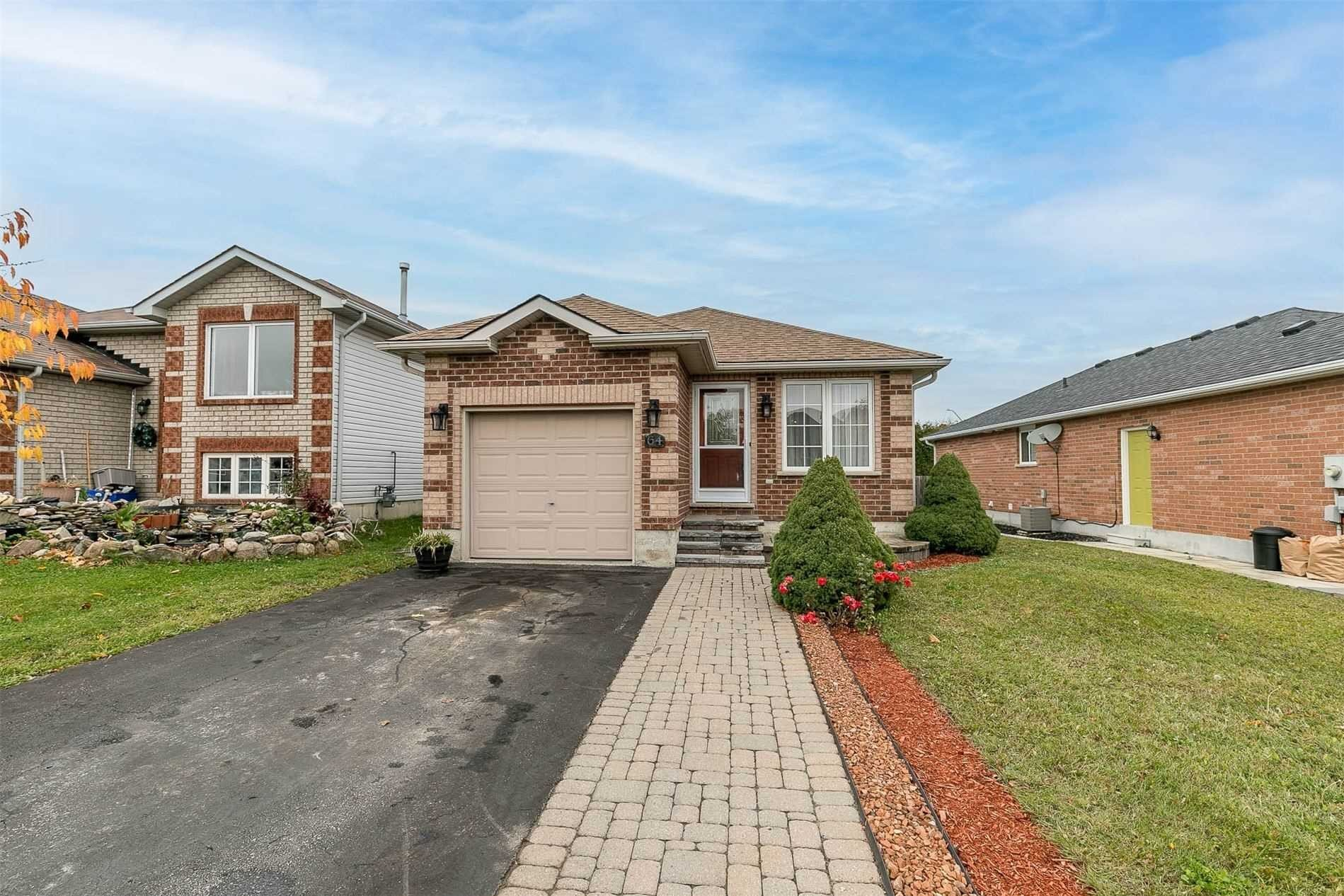 House for sale at 64 Hanmer St East Barrie Ontario - MLS: S4970655