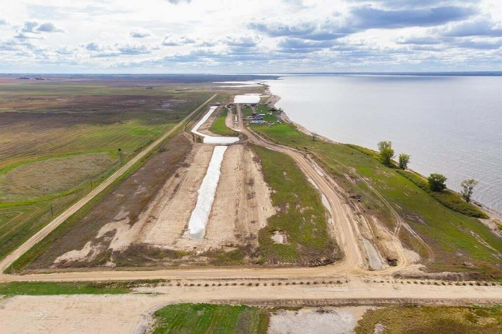 Residential property for sale at 64 Sunset Acres Ln Last Mountain Lake East Side Saskatchewan - MLS: SK811663