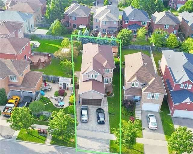 Removed: 64 Sweet Water Crescent, Richmond Hill, ON - Removed on 2017-11-15 04:47:27