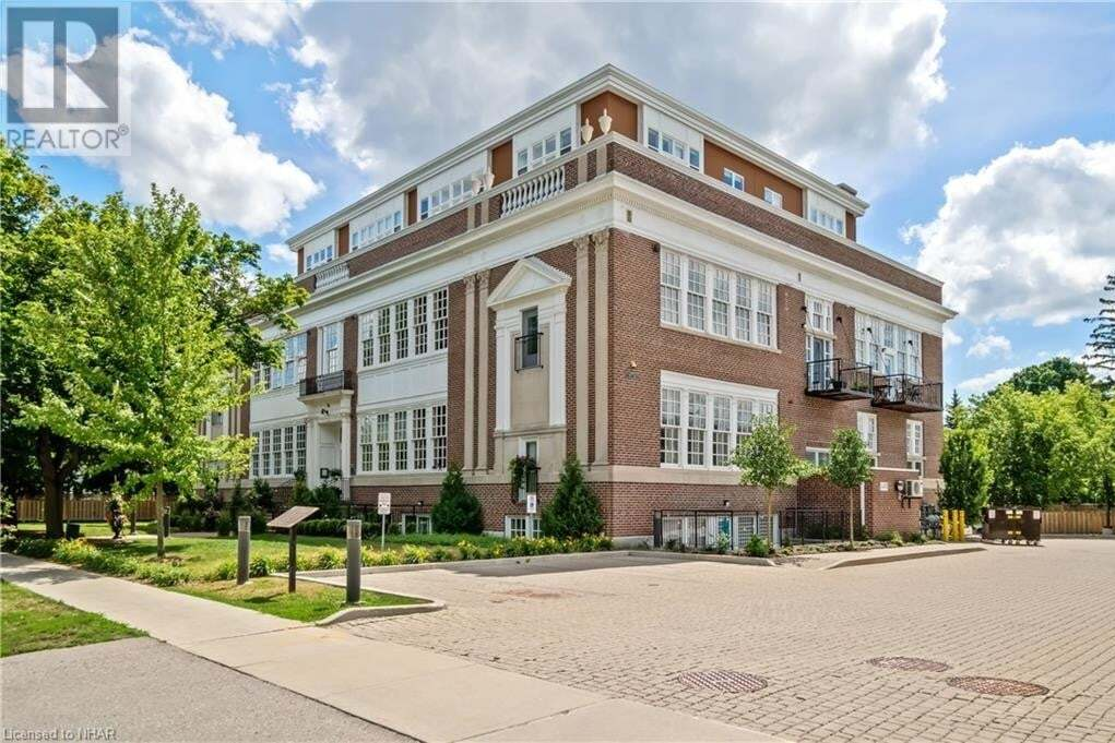Condo for sale at 64 Wells St Aurora Ontario - MLS: 40030450