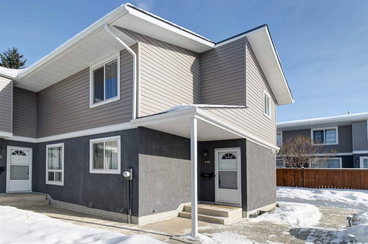Townhouse for sale at 640 Lakewood Rd Nw Edmonton Alberta - MLS: E4188306