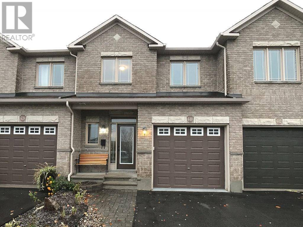 Townhouse for sale at 640 Pepperville Cres Kanata Ontario - MLS: 1174276
