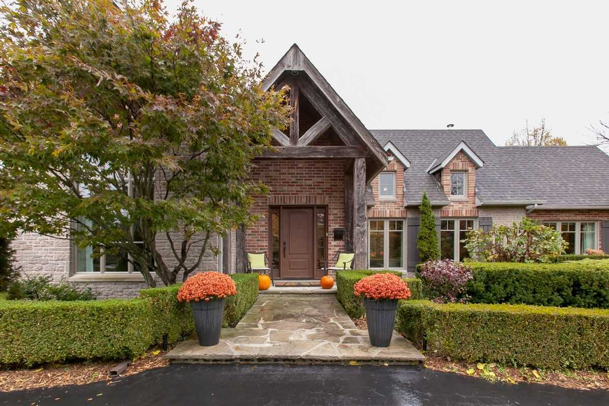 For Sale: 6412 Chelsea Road, Burlington, ON | 3 Bed, 4 Bath House for $2489000.00. See 40 photos!