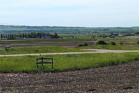 Home for sale at 64135 Eastway Dr E De Winton Alberta - MLS: C4301577