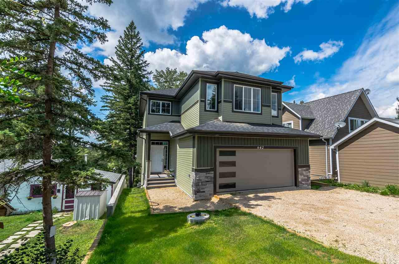 For Sale: 642 Lakeside Dr Drive, Rural Parkland County, AB   3 Bed, 3 Bath House for $569,000. See 28 photos!