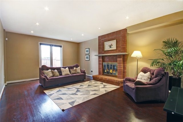 For Sale: 6423 Tenth Line West, Mississauga, ON | 4 Bed, 3 Bath House for $949,900. See 20 photos!