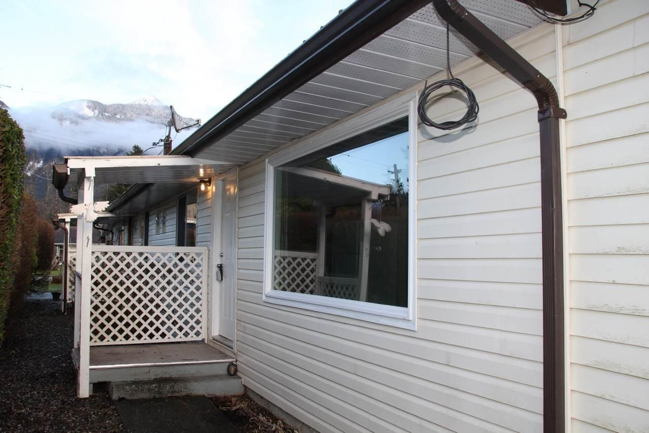 Townhouse for sale at 644 Yale St Hope British Columbia - MLS: R2503271