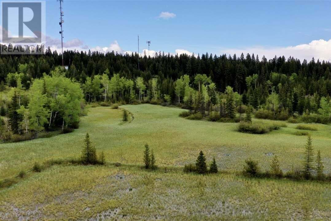 Home for sale at 6446 S Cariboo Hwy 97 Hy 100 Mile House British Columbia - MLS: R2462165