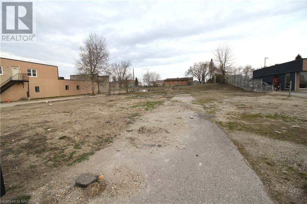 Residential property for sale at 645 10th St Hanover Ontario - MLS: 243582